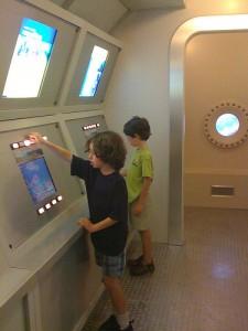 noaas-aquarius-eco-discovery-center