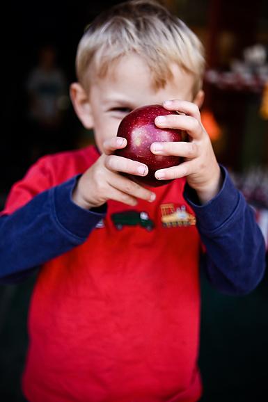 facebehind apple