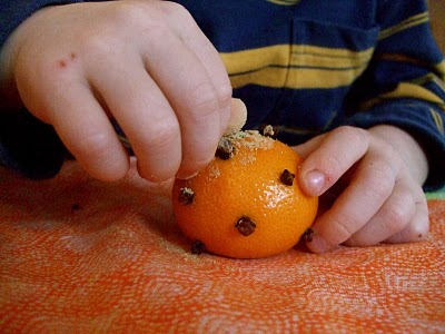Make Pomander Ball with Your Young Child