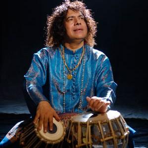 Caravanserai drummer