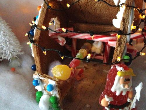 Gingerbread-MovieTheater-GV
