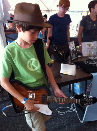 E on guitar at Foo Fest