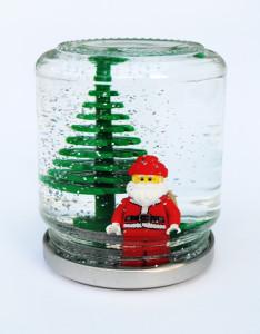 santa-snow-globe-1